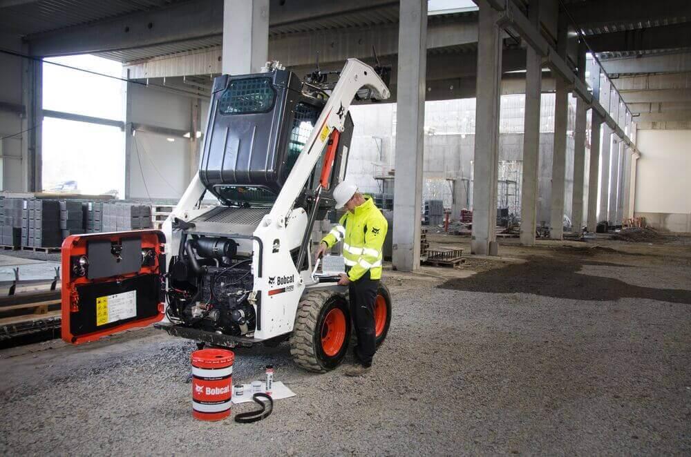 Medium bobcat skid steer loader s450 service dsc 0046 140108 1